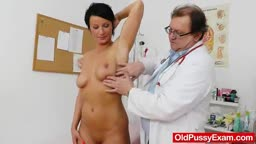 Brunettes madam vagina test